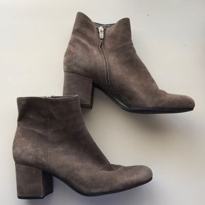 Taupe/Grey suede booties